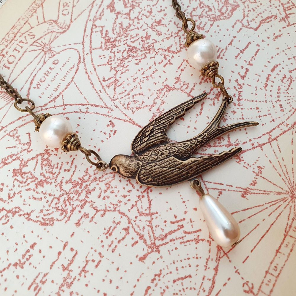 Vintage style bronze swallow & pearl necklace VN027