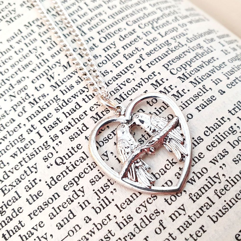 Silver Lovebirds vintage style charm necklace VN029