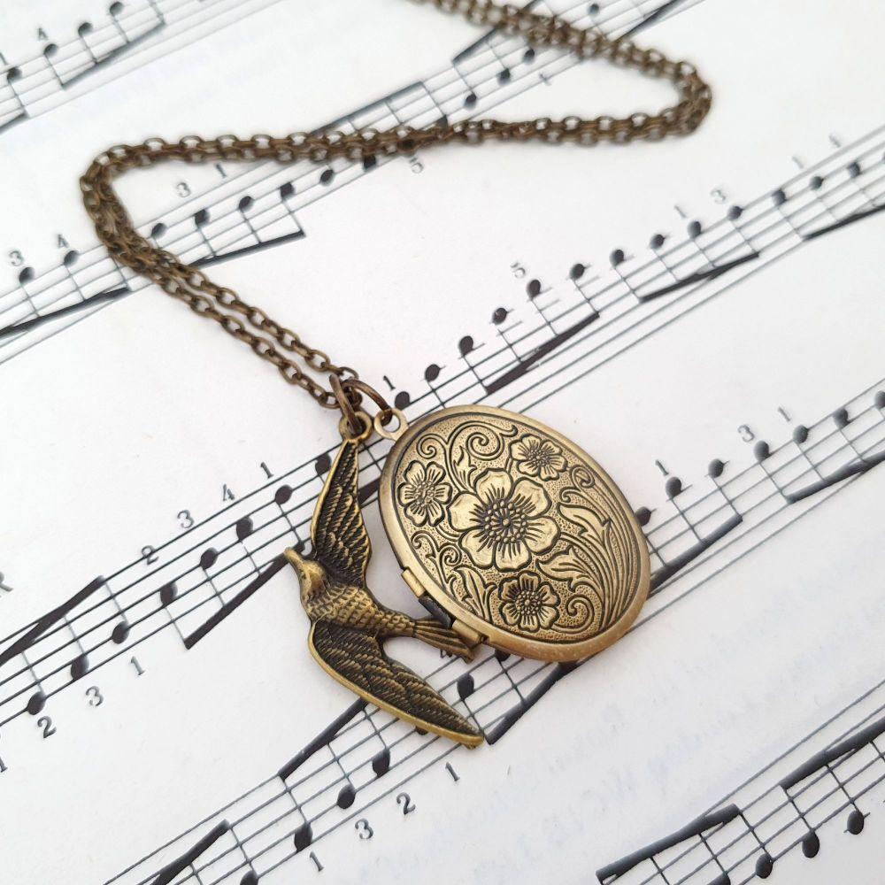 Antique bronze bird & locket vintage style necklace VN048