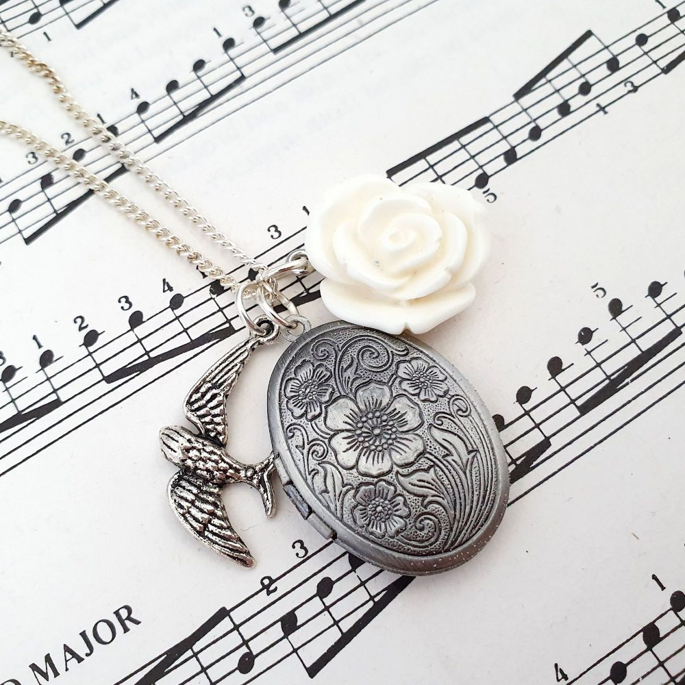 Secret Memories locket & white rose vintage style charm necklace VN055
