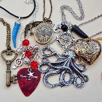 Vintage & Cool Necklaces