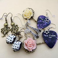 Vintage & Cool Earrings & Accessories