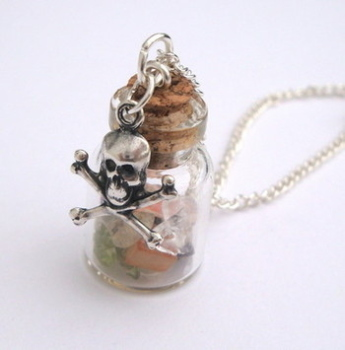 PN117 Pirate treasure in a bottle necklace