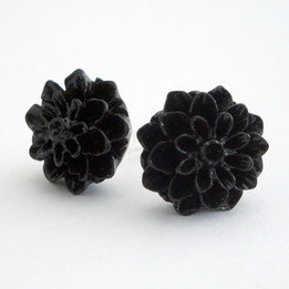 VE013 Vintage style black chrysanthemum flower earrrings