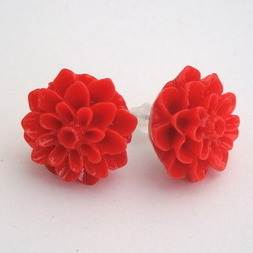 Vintage style red chrysanthemum flower earrrings VE015