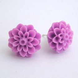 Vintage style lilac chrysanthemum flower earrrings VE019