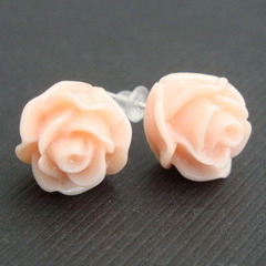 Vintage style pale pink rose flower earrrings VE021