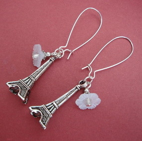 Vintage style silver Eiffel Tower Paris earrings VE023
