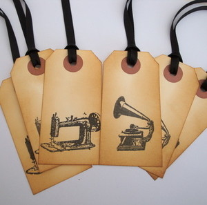 GT006 Vintage style gramophone & sewing machine gift tags