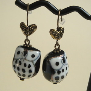 Porcelain owl and heart charm earrings VE027