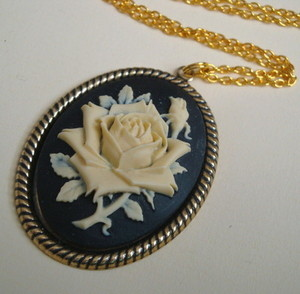 Vintage inspired rose cameo necklace VN063