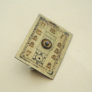 SBR011 Steampunk vintage watch face brooch
