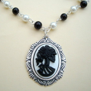Gothic pirate skeleton lady cameo beaded necklace - PN132