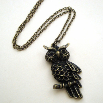 Vintage kitsch antique bronze owl charm necklace - VN077