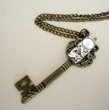 Steampunk watch movement and bronze key necklace SN075