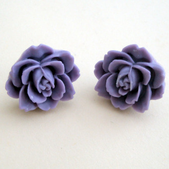 Vintage style rose flower earrings in lavender VE036