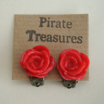 Vintage style rose flower clip on earrings in red VE039