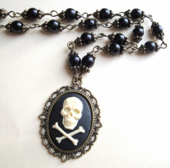 Pirate skull & crossbones cameo beaded necklace PN134