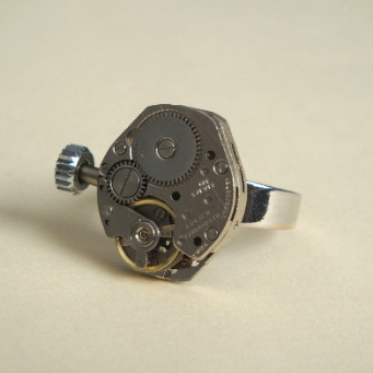 Steampunk ring with vintage watch movement SR032