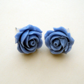 Vintage style rose flower earrings in blue VE043