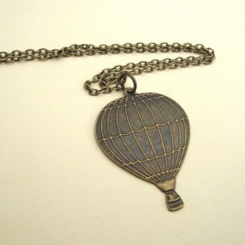 Hot air balloon necklace in antique bronze vintage steampunk style SN082