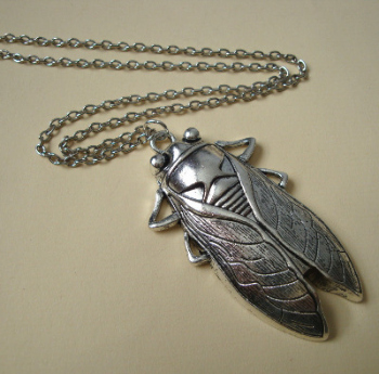 Silver cicada insect necklace VN088
