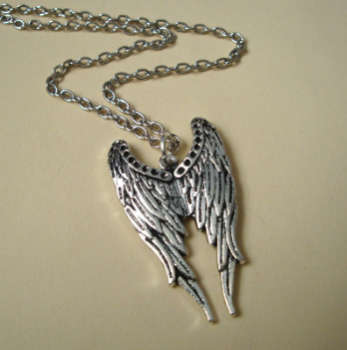 Antique silver angel wings charm necklace VN089