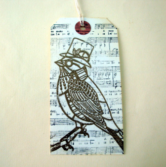 GT010 Steampunk Christmas gift tag - bird & music