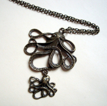 Vintage style double octopus necklace in bronze VN095