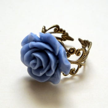 Vintage inspired rose ring on bronze filigree - blue