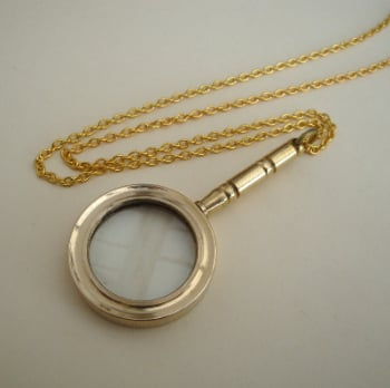 Vintage brass magnifying glass necklace VN100