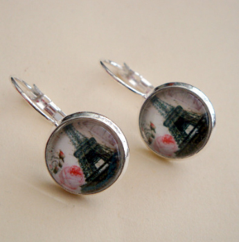 Eiffel Tower vintage inspired cabochon earrings in silver VE047