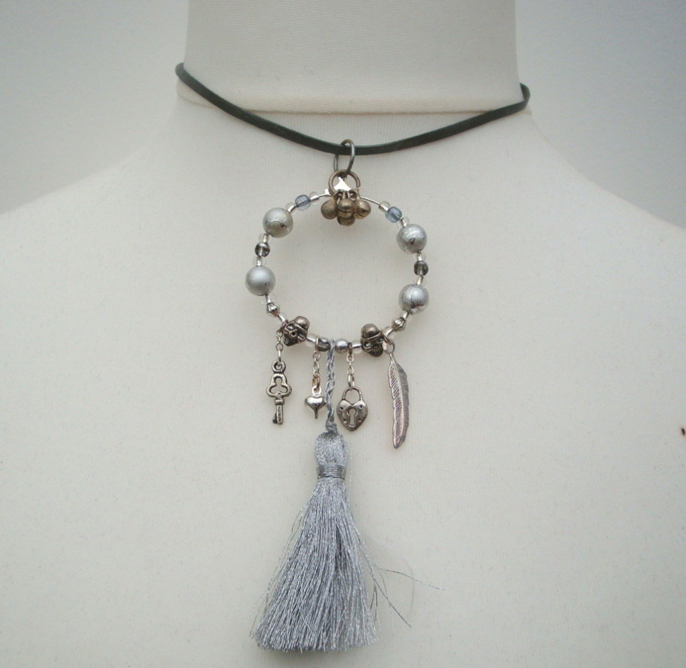 PN023 Silver hoop & tassel pirate necklace