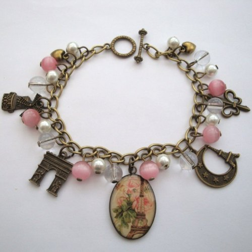 Paris Eiffel Tower charm bracelet in bronze and pink VCB026