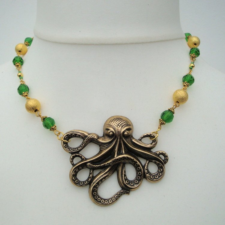 Vintage style beaded octopus charm necklace VN087