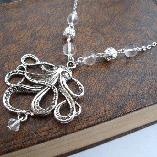 Vintage style octopus necklace in silver VN081