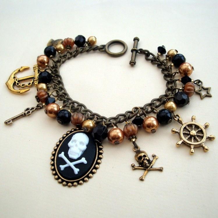 PCB058 Bronze pirate cameo charm bracelet