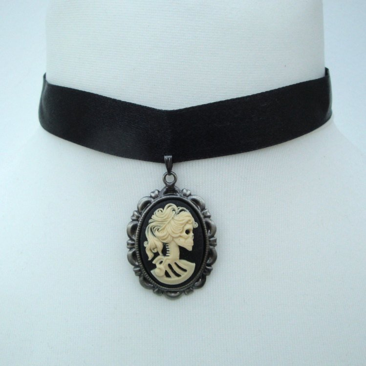 Gothic pirate skeleton lady cameo choker PN131