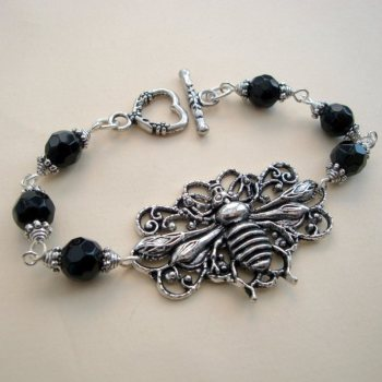 Vintage inspired silver bee beaded bracelet VB001