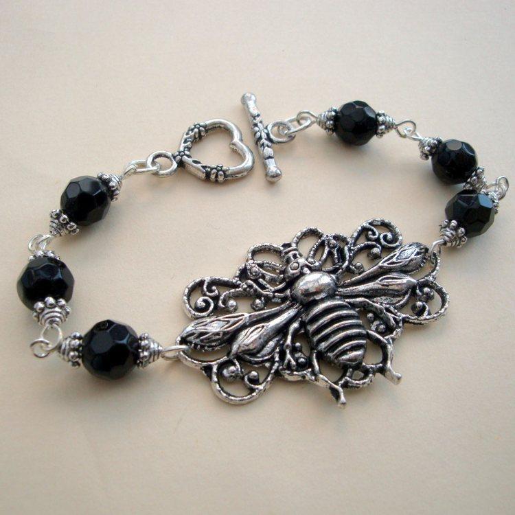 Vintage inspired silver bee beaded bracelet VB001