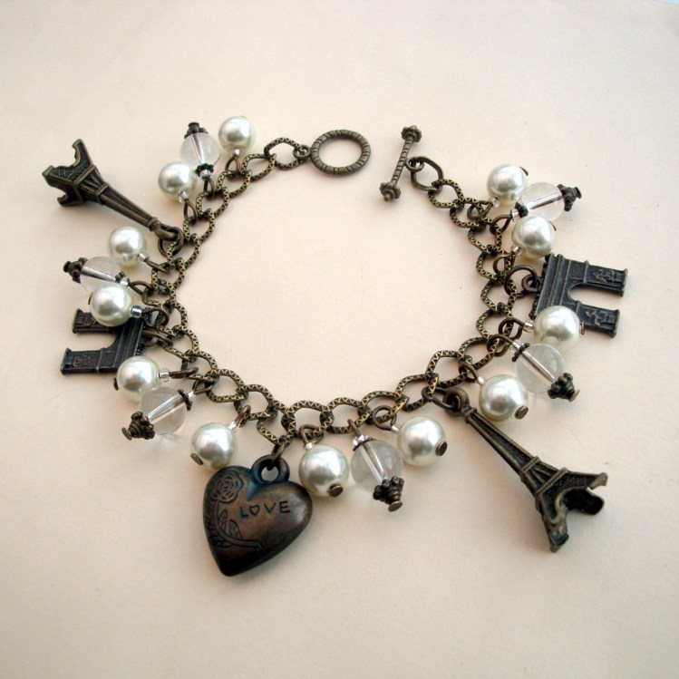 Vintage inspired Paris Eiffel Tower charm bracelet in bronze VCB023