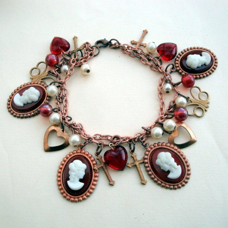 VCB001 Cameos & Pearls Victorian style Vintage charm bracelet