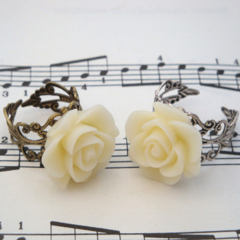 Vintage inspired rose ring on filigree base - ivory