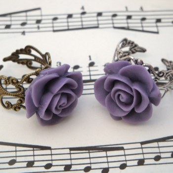 Vintage inspired rose ring on filigree base - lavender purple