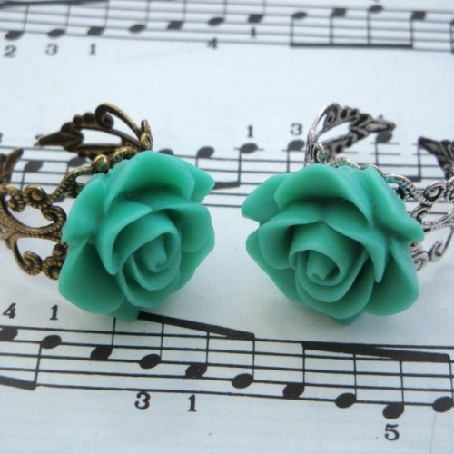 Vintage inspired rose ring on filigree base - mint green