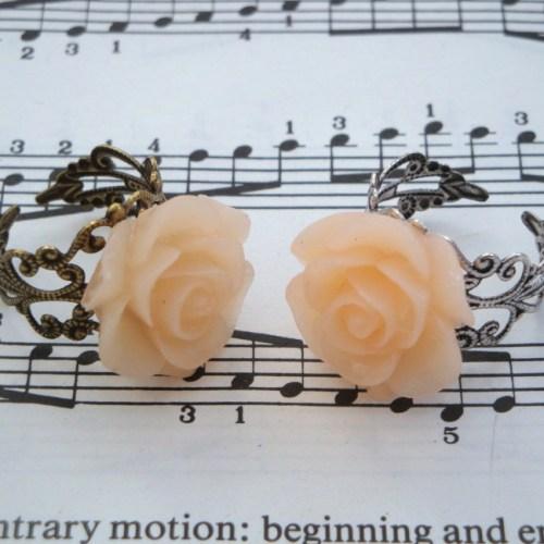 Vintage inspired rose ring on filigree base - pale peach pink
