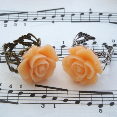 Vintage inspired rose ring on filigree base - peach