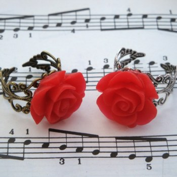 Vintage inspired rose ring on filigree base - red