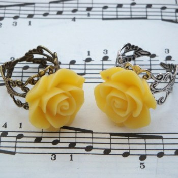 Vintage inspired rose ring on filigree base - yellow