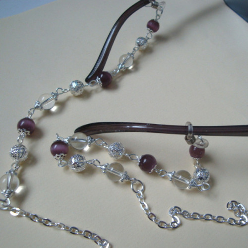 Beaded glasses chain in silver and purple GC004